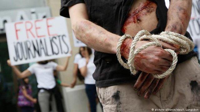 آزادی مطبوعات در دموکراسی های غربی در مرز هشدار