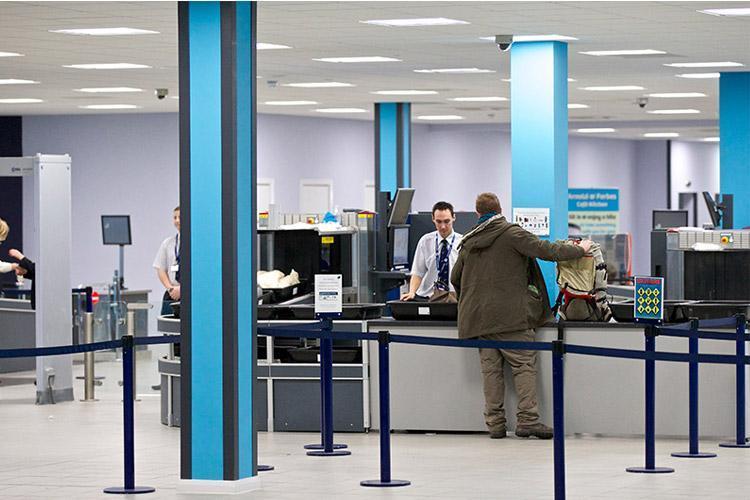 مقررات خطوط هوایی برای حمل مایعات